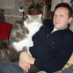 """Е.Логинов с котом по кличке """"Белый"""""""